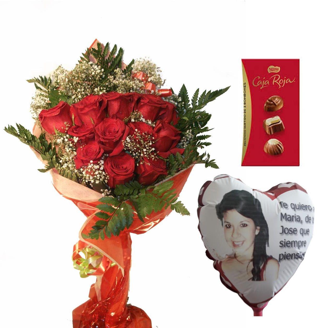Envio de doce rosas a domicilio con bombones y globo personalizado