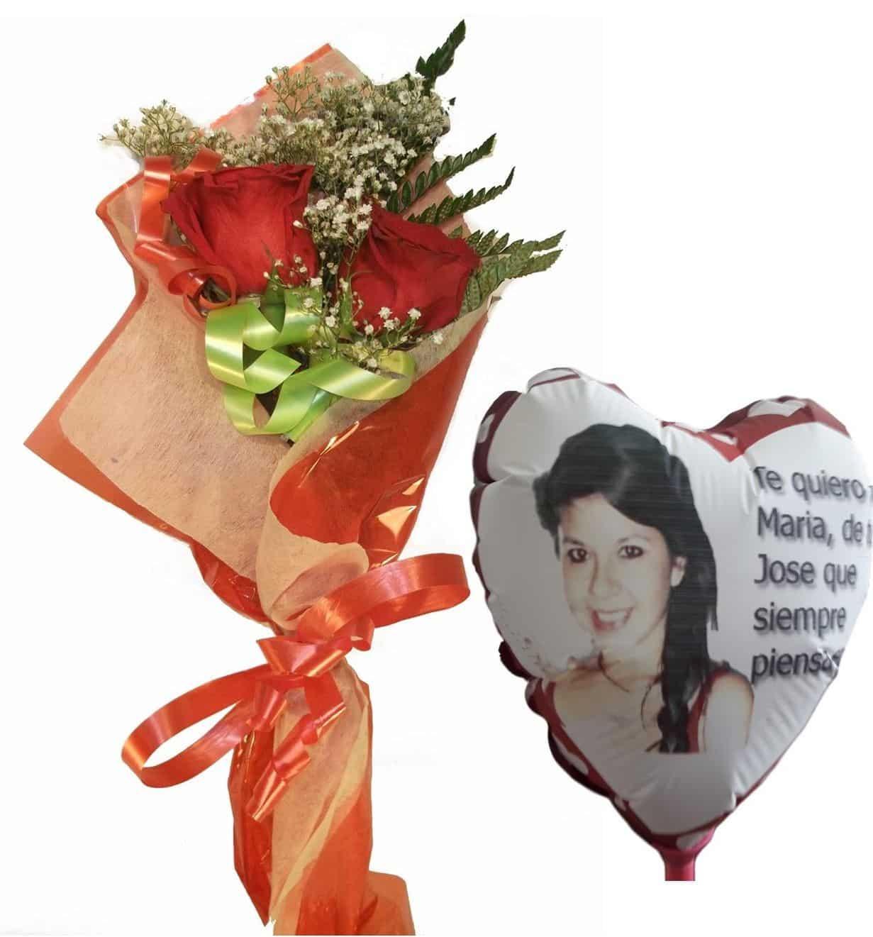 Envio de ramo de dos rosas con globo personalizado